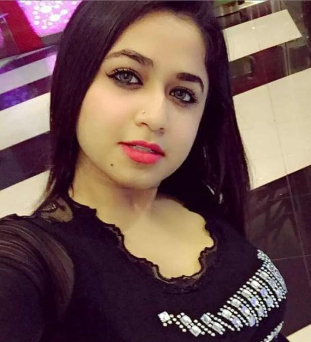 Faria Shahrin Selfie