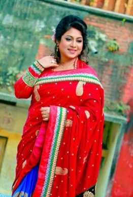 Shabnur HD Picture
