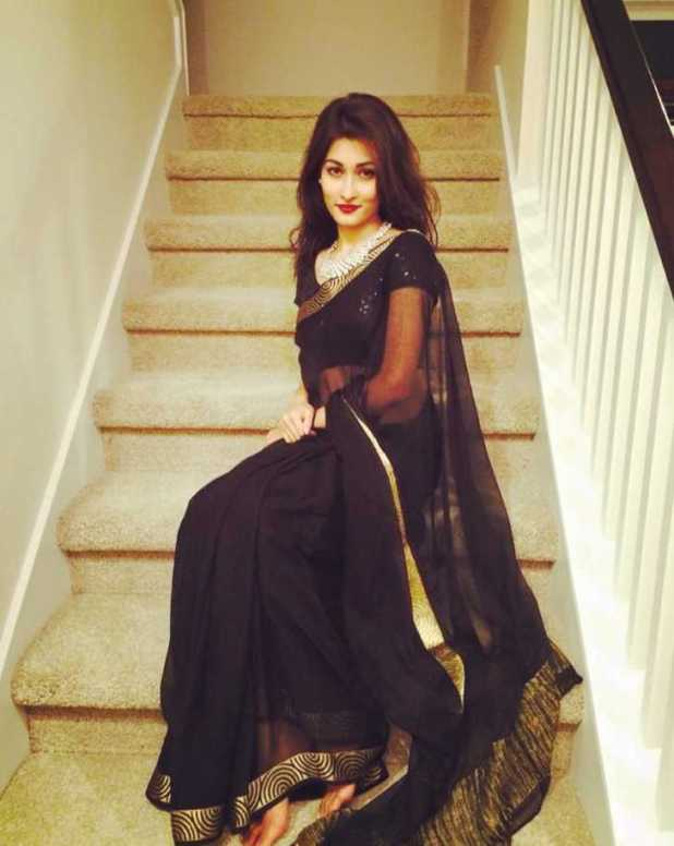 Umme Ahmed Shishir saree style picture