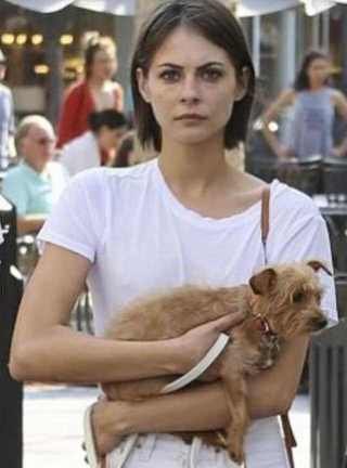 Willa Holland with her Dog