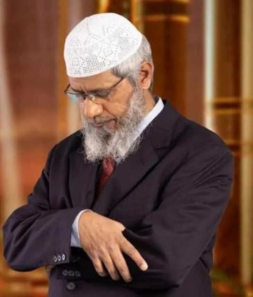 Zakir Naik  prayer time