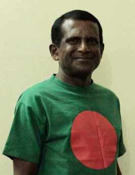 Hasan Masood with Bangladeshi T-Shirt Image