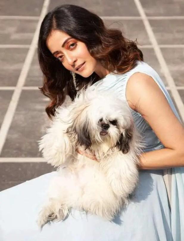 Raima Sen With her Dog