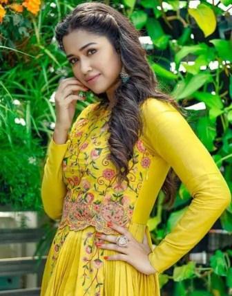 Sohini Sarkar Yellow Dress Image