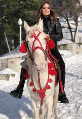 Sumbul Iqbal with Horse