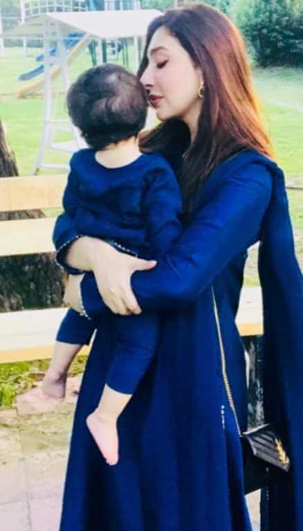 Ayesha Khan with her Daughter