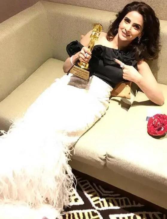 Saba Qamar Awards Image