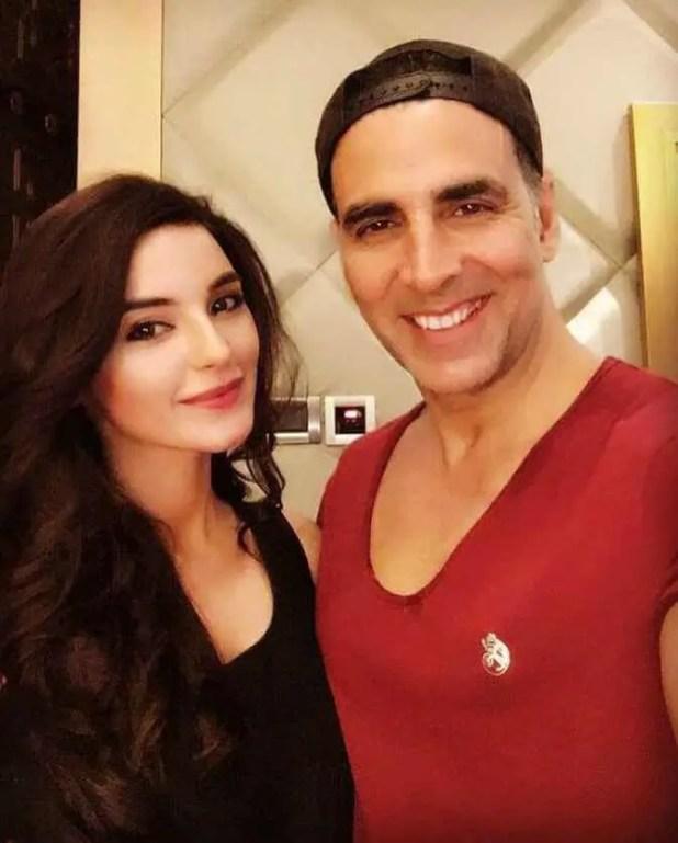 Sadia Khan with Akshay Kumar