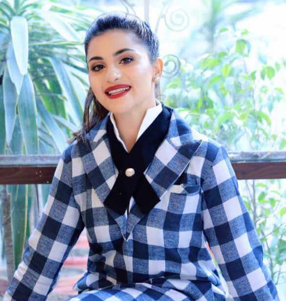 Sohai Ali Abro with Shirt Image