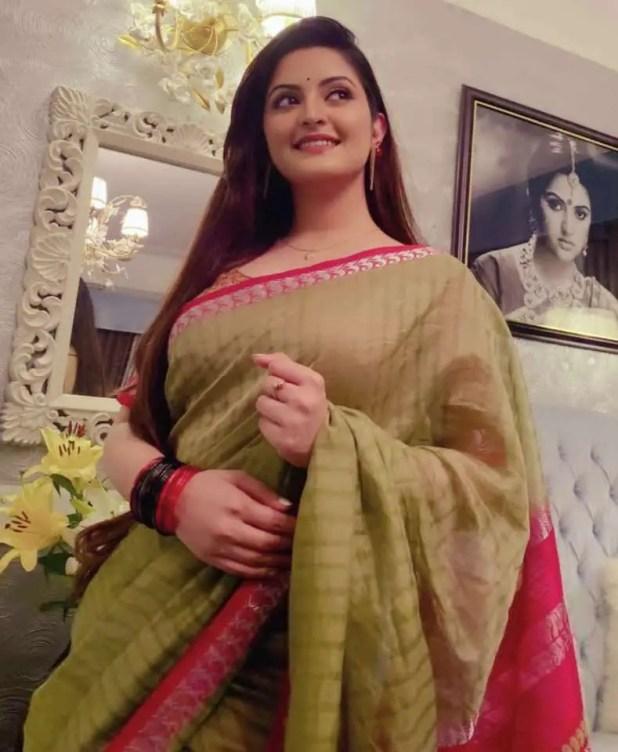 Bangladeshi actress and model Pori Moni new saree photo 2021