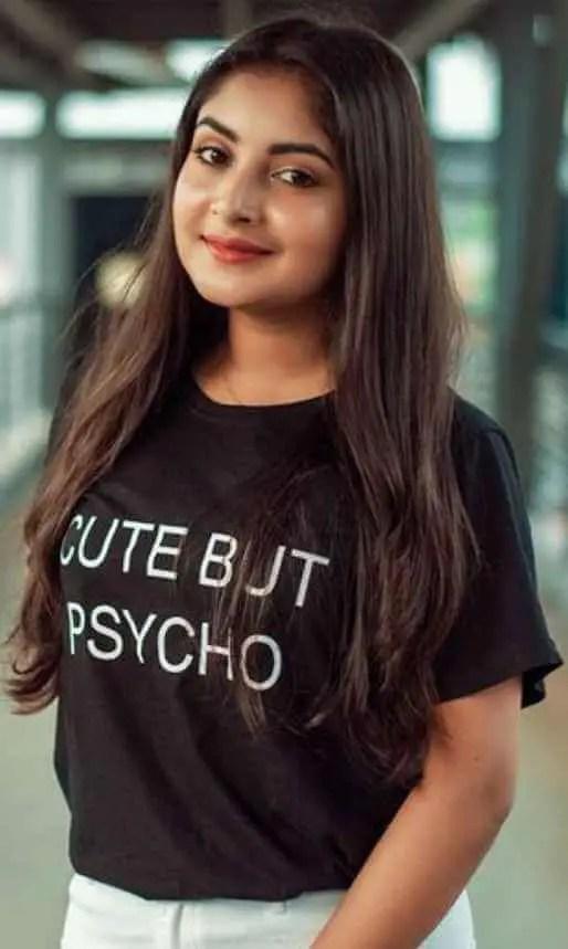 Nusrat Jahan Ontora Balck T-Shirt Pic