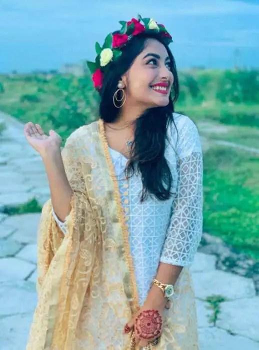 Nusrat Jahan Ontora smile Pic