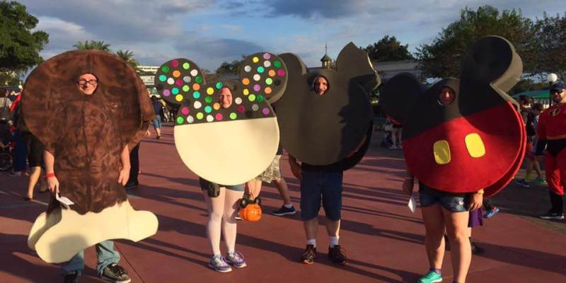 photos top 20 disney costumes from last nights mickeys not so scary halloween party