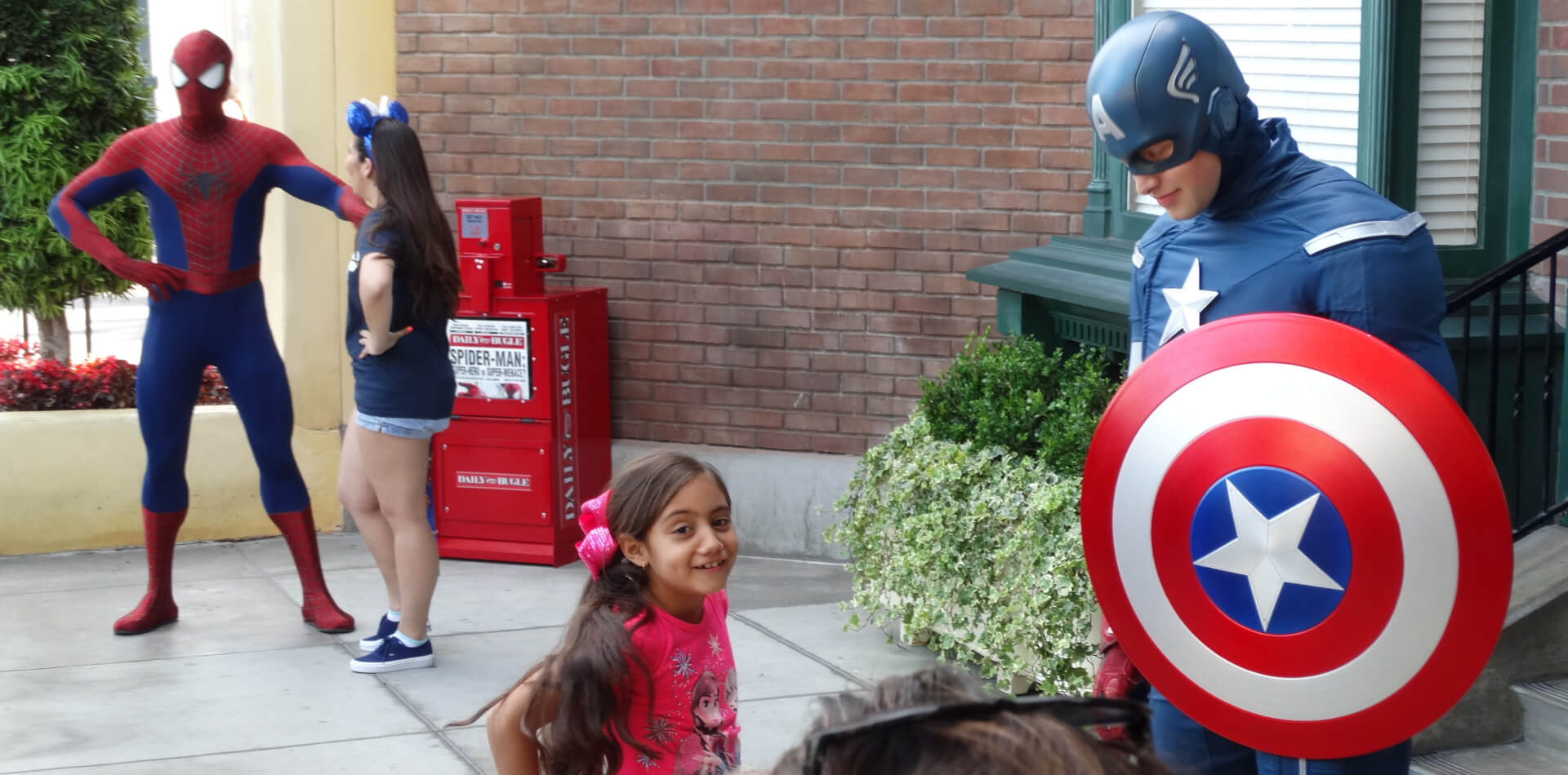 Video Captain America And Spider Man Meet And Greet