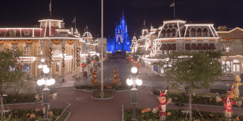 Video magic kingdom undergoes halloween transformation in 1 minute video magic kingdom undergoes halloween transformation in 1 minute time lapse publicscrutiny Image collections