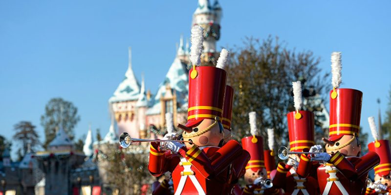 holiday season dates attractions announced for christmas 2017 at disneyland resort