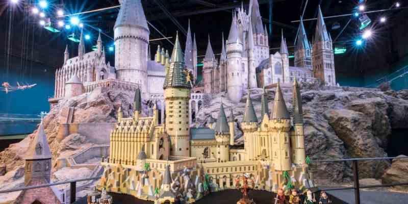 """PHOTOS: Huge $400 Hogwarts Castle """"Harry Potter"""" building ..."""