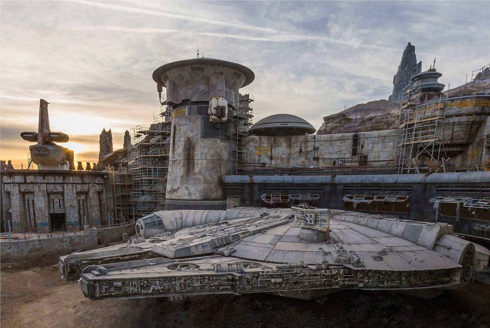 Galaxy's Edge Coming to Walt Disney World and Disneyland Resorts