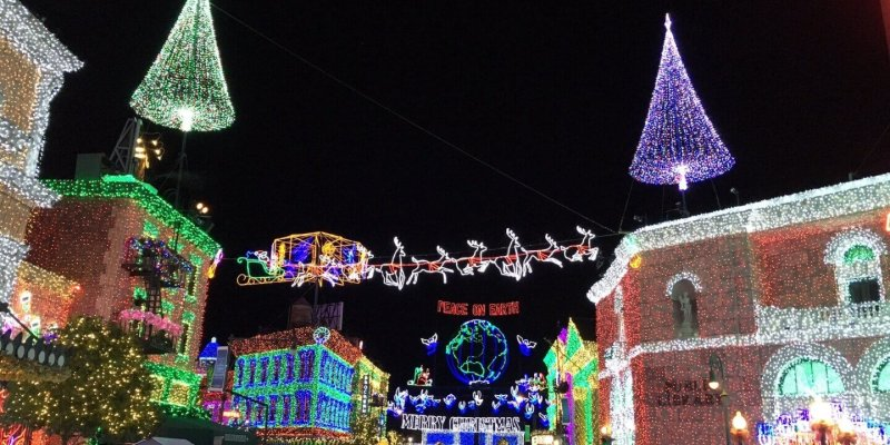 Osborne Family Spectacle of Dancing Lights - Remembering The Osborne Family Spectacle Of Dancing Lights At