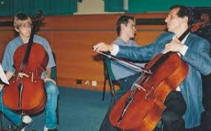 young cellist playing in a masterclass with Colin Carr.