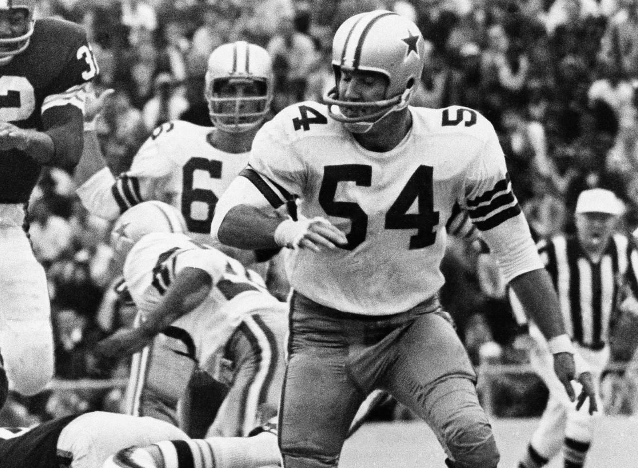 301cca6b57e Co-54s  Chuck Howley and Randy White Share Honor ✭