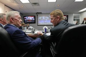 Cowboys Blog - 4th Overall Pick: The Cowboys DO NOT Go QB... 6