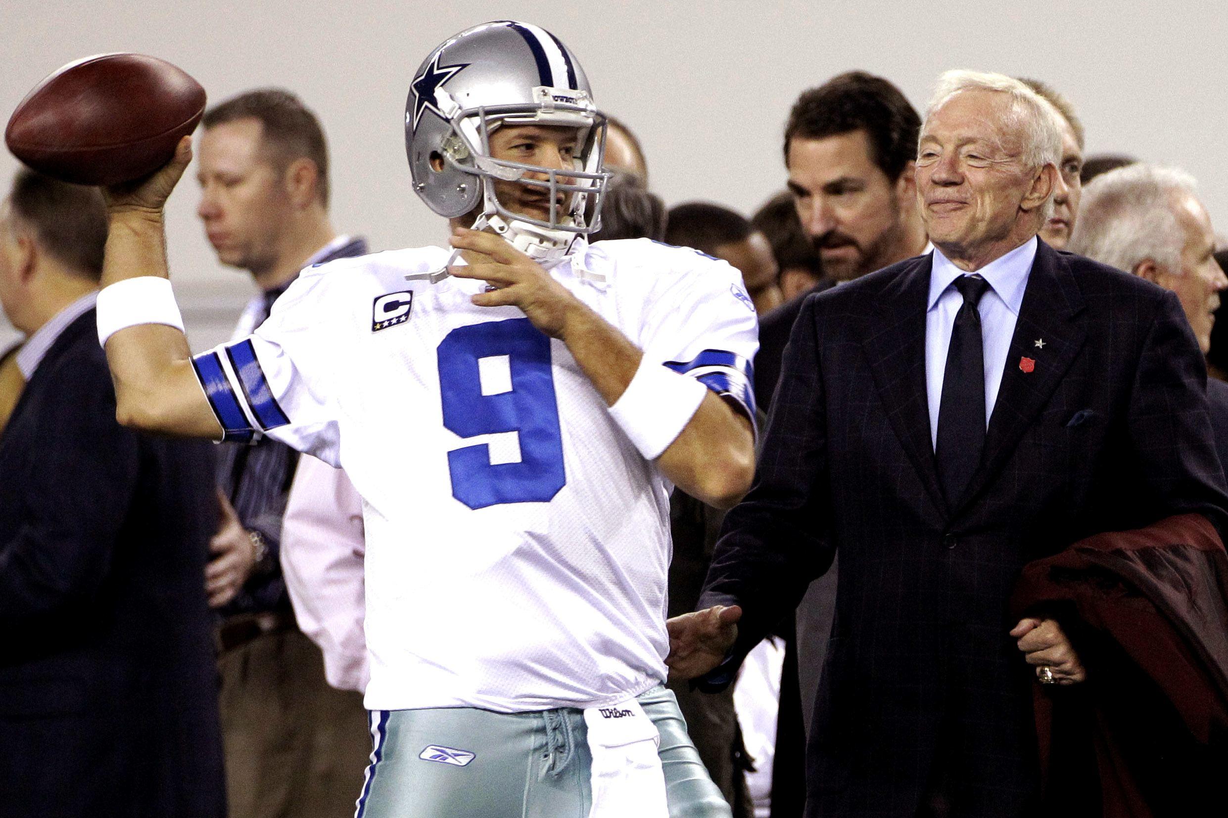 4ffbb5e7cdb Jerry Jones, Jason Garrett Comment on Tony Romo Retirement ✭