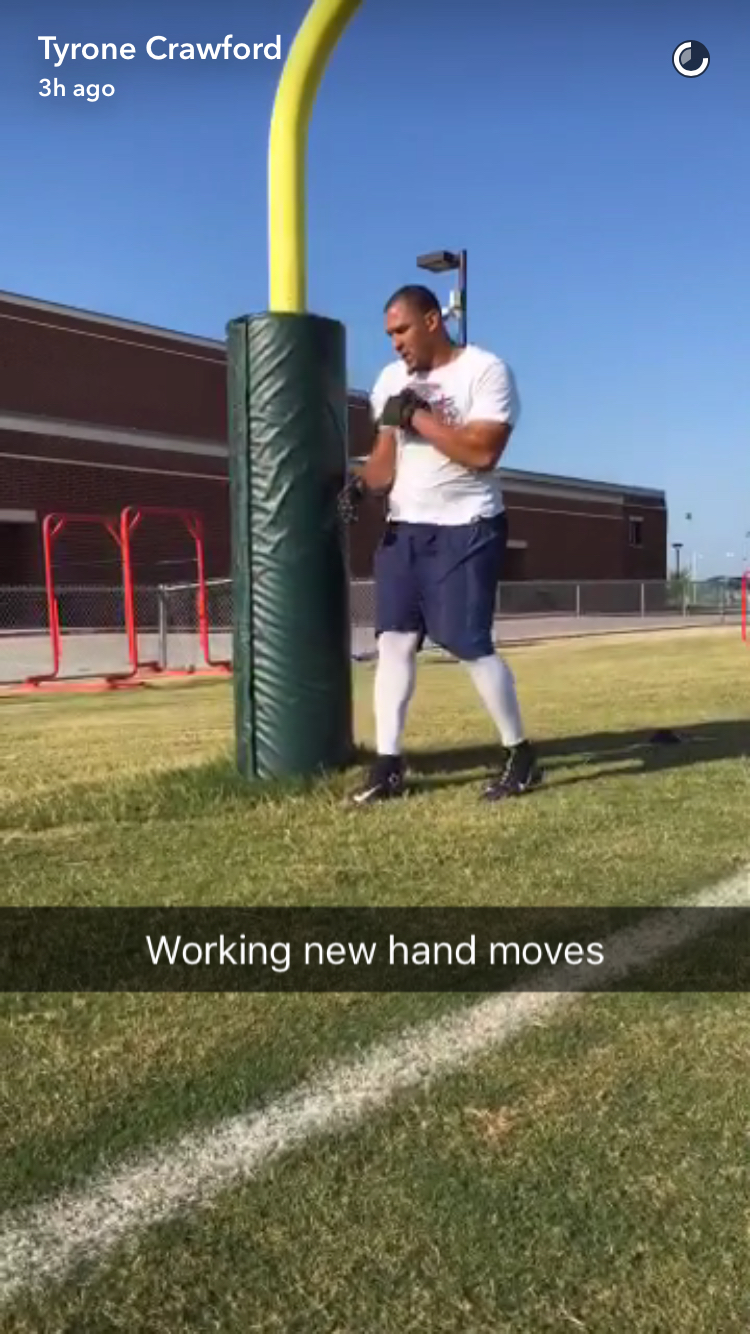"""Cowboys Headlines - PHOTO: Cowboys Pass Rusher Tyrone Crawford """"Working New Hand Moves"""""""