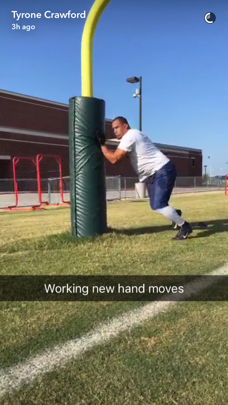 """Cowboys Headlines - PHOTO: Cowboys Pass Rusher Tyrone Crawford """"Working New Hand Moves"""" 2"""
