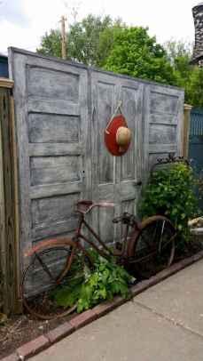 36 DIY Backyard Privacy Fence Design Ideas on A Budget