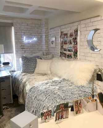 50 Cute Dorm Room Decorating Ideas on A Budget