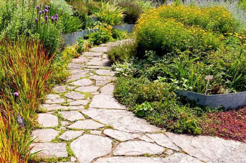01 Fabulous Garden Path and Walkway for Front and Backyard Ideas