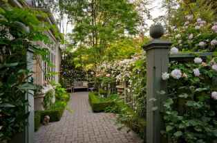 02 Incredible Side House Garden Landscaping Ideas