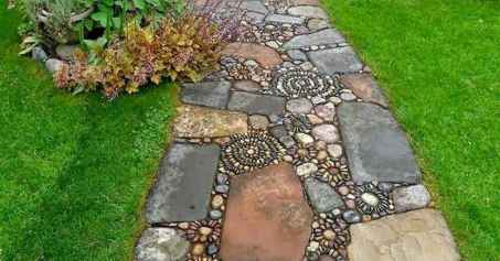 03 Beautiful DIY Mosaic Garden Path Decorations For Your Landscape Inspiration