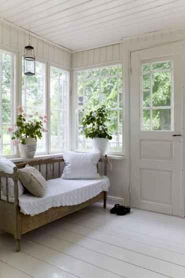 04 Cozy Farmhouse Sunroom Decor Ideas
