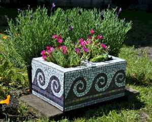 23 Excellent DIY Mosaic Garden Decoration Ideas for Front and Backyard Landscaping