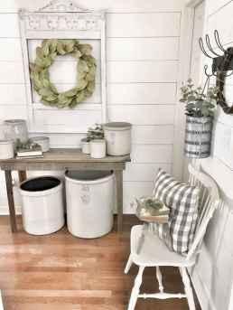 24 Inspiring Farmhouse Entryway Decor Ideas
