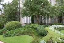26 Incredible Side House Garden Landscaping Ideas