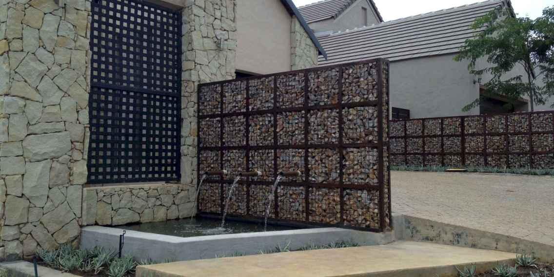 36 Fabulous Gabion Fence Design for Garden Landscaping Ideas