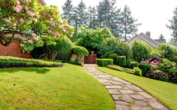 46 Fabulous Garden Path and Walkway for Front and Backyard Ideas