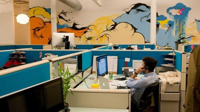 desain kantor di rumah kreatif