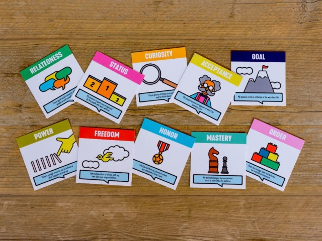 Cards moving motivators tool