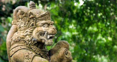 Bali Ubud monkey statue