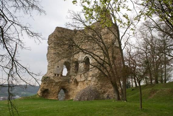 Le Clos de la Risle : Donjon de Brionne ©CT