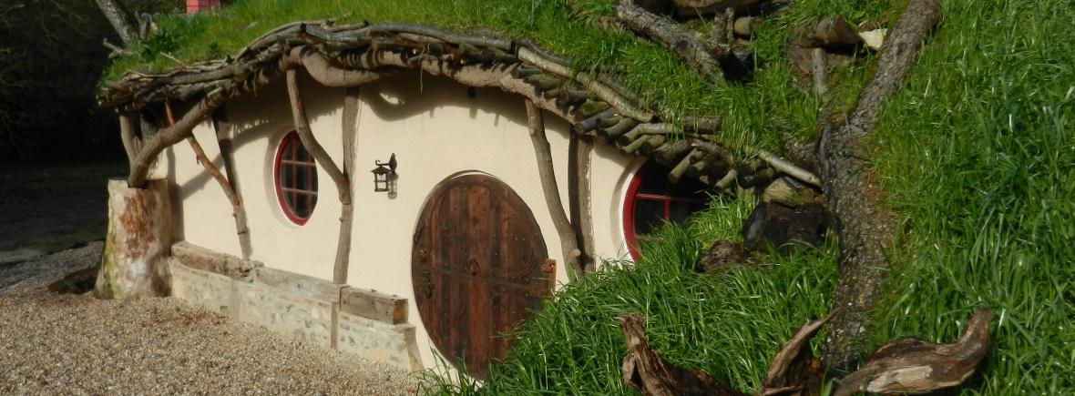 """un gite au look """"hobbit"""" et """"troglodyte"""""""