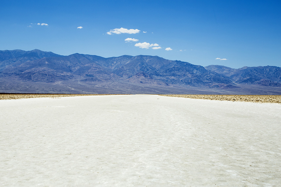Zoutvlakte van Badwater Basin in Death Valley