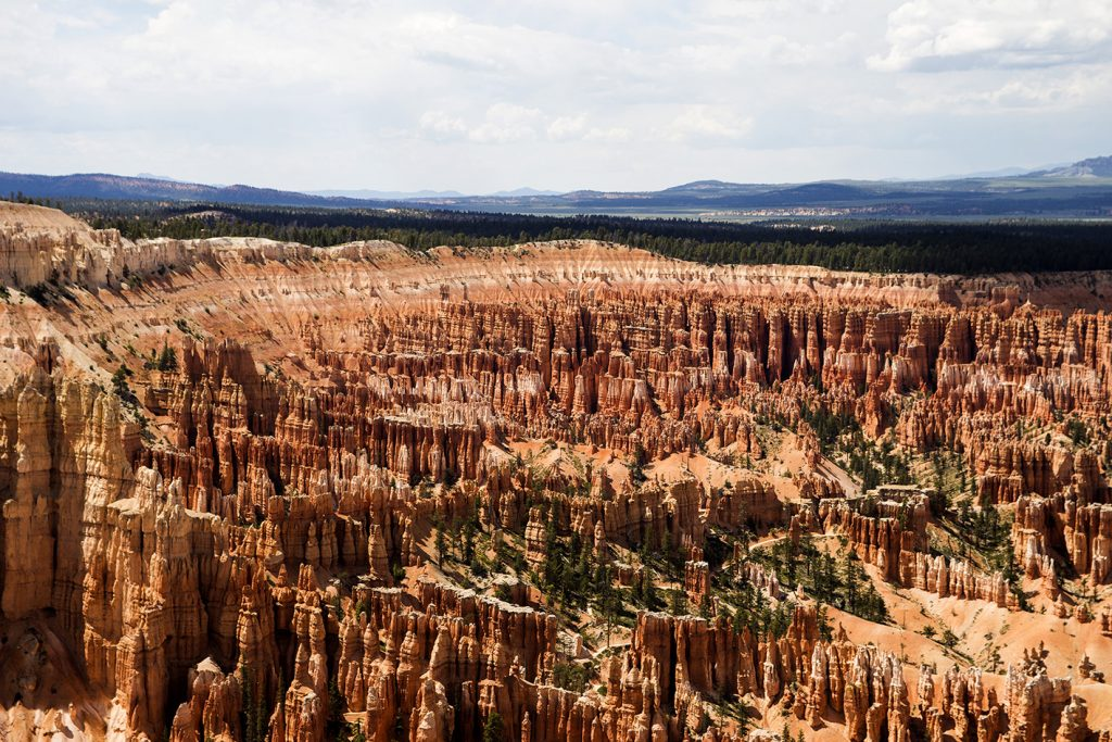 Uitzicht Bryce Canyon donkere lucht