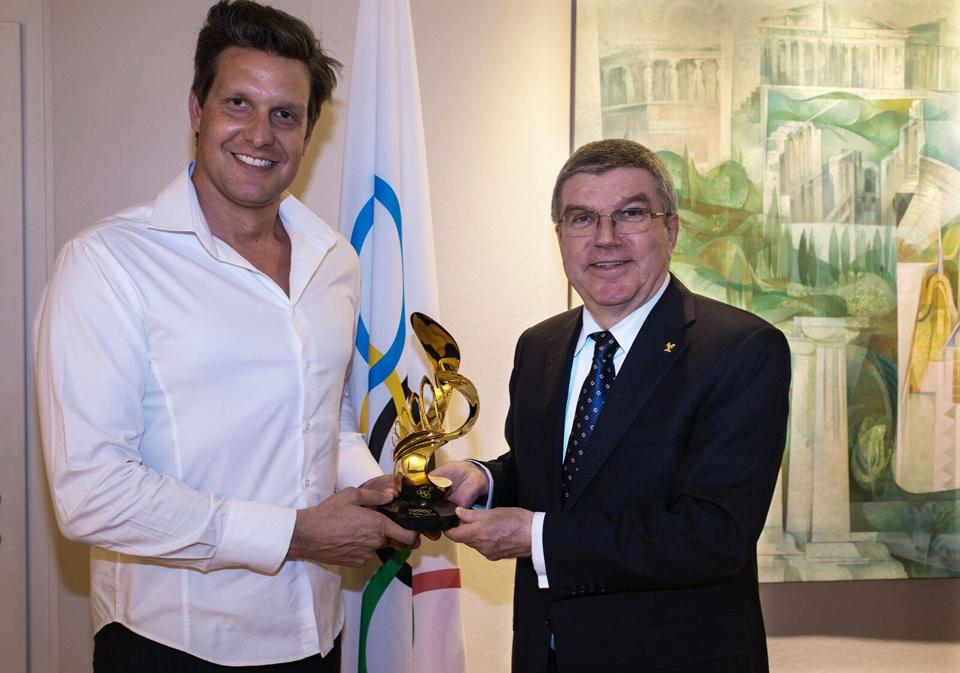 alexander-krivosheiw-with-ioc-president-thomas-bach