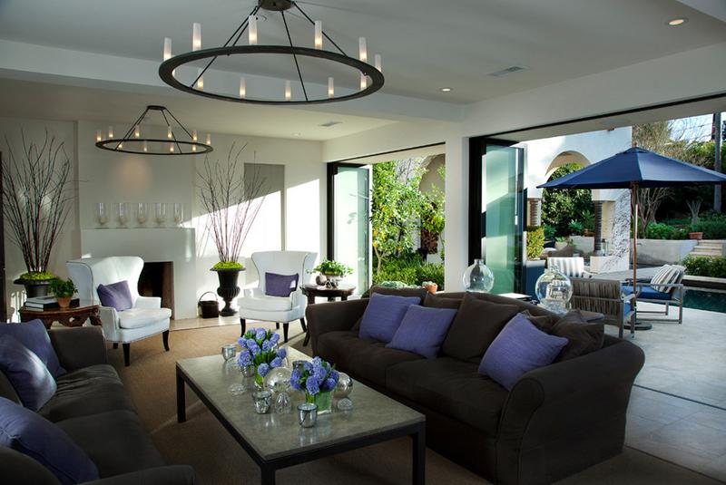 amazing chandelier living room area