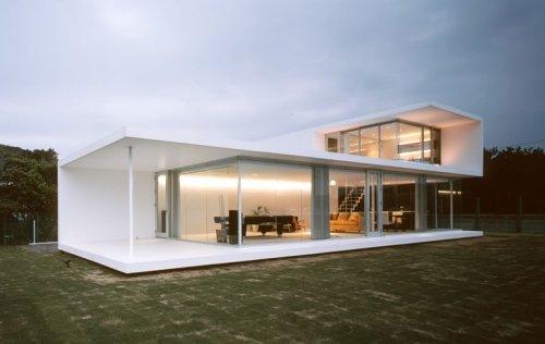 white square accent minimalist house